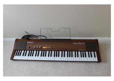Roland Piano Plus 70 Digital Piano - 75 Keys - Model HP-70
